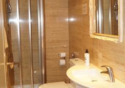 游侠酒店 - 马德里 - 浴室