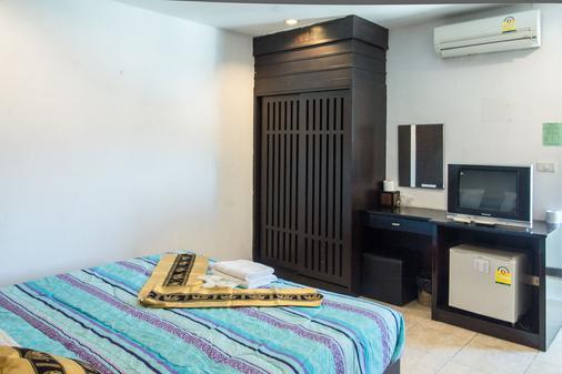芭东海湾酒店 - 芭东 - 睡房