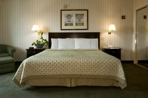 梅多兰兹广场酒店 - 锡考克斯 - 睡房