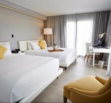 里维埃拉南滩酒店