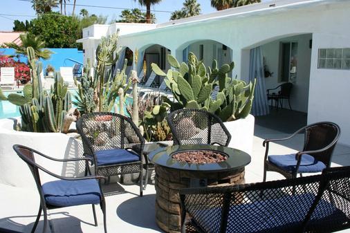 Posh Palm Springs - Palm Springs - 露台