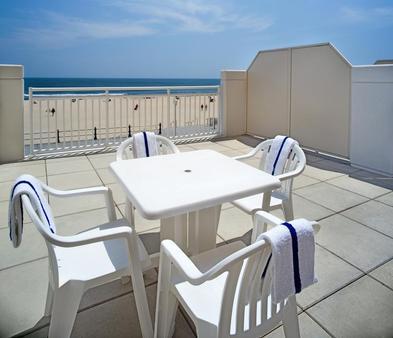 万豪弗吉尼亚海滩海滨春丘套房酒店 - 弗吉尼亚海滩 - 阳台