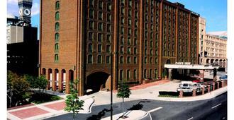 巴尔的摩内港戴斯酒店 - 巴尔的摩 - 建筑