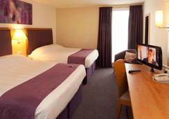伦敦希思罗机场普瑞米尔酒店 - 巴斯路 - 豪士罗 - 睡房