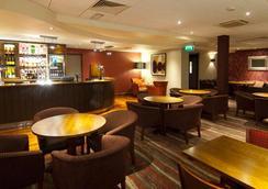 伦敦希思罗机场普瑞米尔酒店 - 巴斯路 - 豪士罗 - 休息厅
