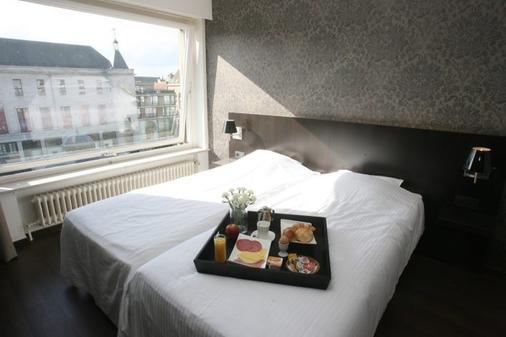 艾姆巴萨德洛酒店 - 奥斯坦德 - 食物