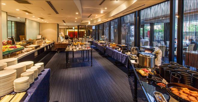 大阪克罗斯酒店 - 大阪 - 自助餐