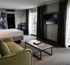 棕榈泉哇卡班德酒店