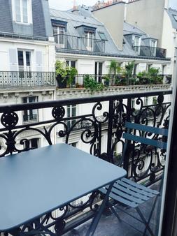 巴黎小姐酒店 - 巴黎 - 阳台