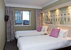 伦敦总统酒店 - 伦敦 - 睡房