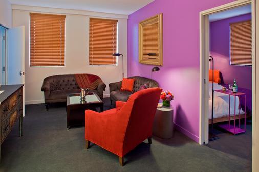 新奥尔良 - 圣查尔斯智选假日套房酒店 - 新奥尔良 - 客厅