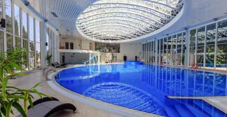 马加丹养生度假村 - 索契 - 游泳池