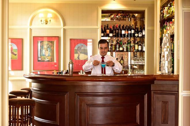 佩斯塔纳海洋棕榈旅馆公寓 - 丰沙尔 - 酒吧