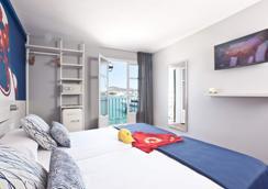 瑞安斯海洋酒店 - 伊维萨镇 - 睡房