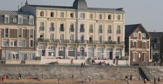 凯里亚德酒店-圣马洛中-海滩酒店 - 圣马洛 - 建筑