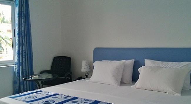 Hotel Elegance - 阿克拉 - 睡房