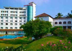 The Mascot Hotel - A Heritage Living Experience - 特里凡特浪/特里凡得琅 - 建筑