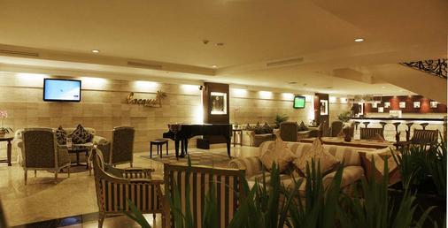 万隆阿斯顿帝景大酒店 - 万隆 - 酒吧