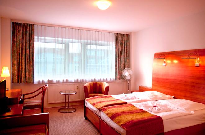 柏林凯塞酒店 - 柏林 - 睡房