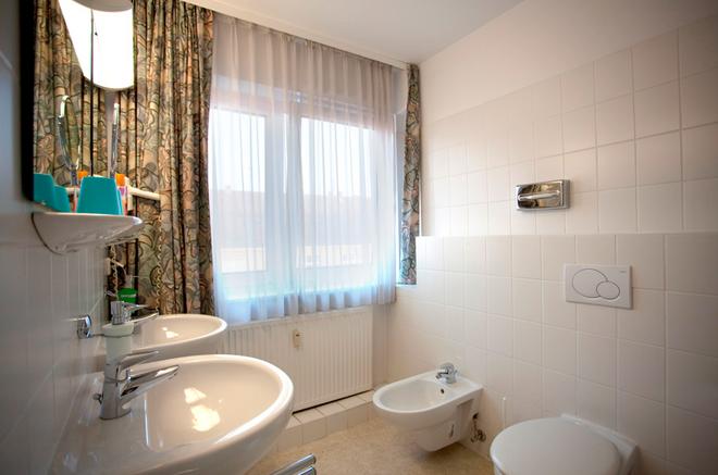 柏林凯塞酒店 - 柏林 - 浴室