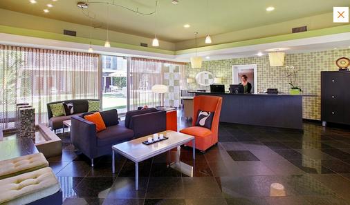 7斯普林斯旅馆&套房酒店 - 棕榈泉 - 柜台