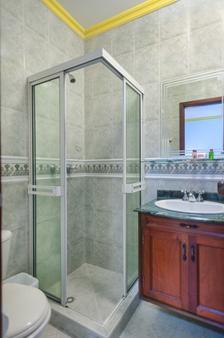 Ms卡斯特拉那康福特酒店 - 卡利 - 浴室