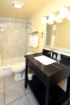 蓝枪鱼汽车旅馆 - 弗吉尼亚海滩 - 浴室