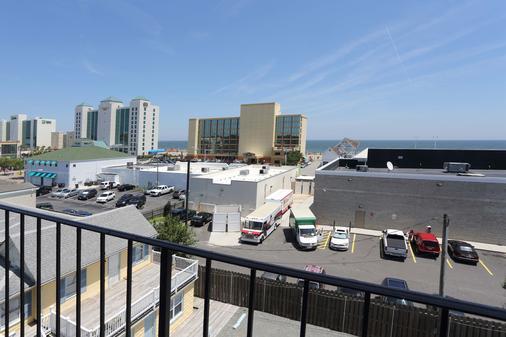 蓝枪鱼汽车旅馆 - 弗吉尼亚海滩 - 阳台