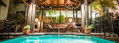 卡德特酒店 - 迈阿密海滩 - 游泳池