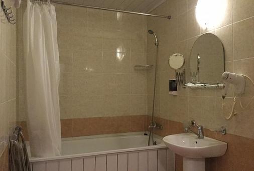 凯萨酒店 - 索契 - 浴室