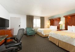 迈阿密机场北戴斯酒店 - 迈阿密泉 - 睡房