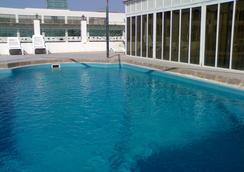 海湾明珠酒店 - 麦纳麦 - 游泳池