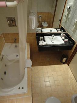 海湾明珠酒店 - 麦纳麦 - 浴室