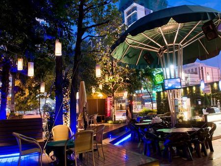 曼谷公园公寓酒店 - 曼谷 - 露台