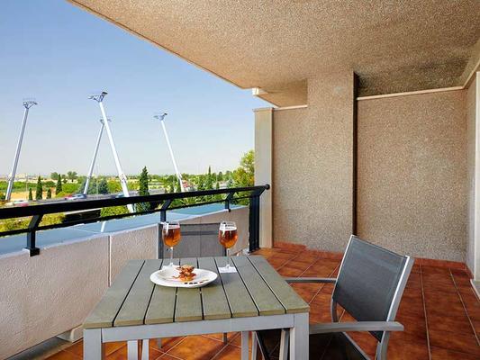 鲁纳德格拉纳达服务大酒店 - 格拉纳达 - 阳台