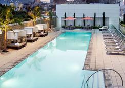 洛杉矶活力洛城原住客栈 - 洛杉矶 - 游泳池