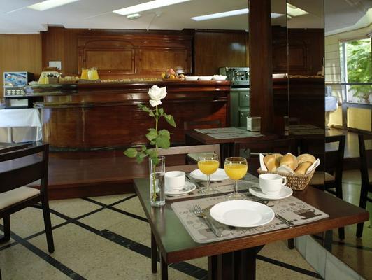 阿多尼斯佩里诺酒店 - 圣克鲁斯-德特内里费 - 食物