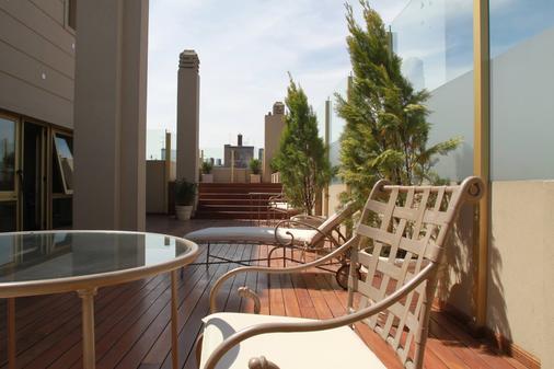 英特苏尔里克莱塔酒店 - 布宜诺斯艾利斯 - 阳台
