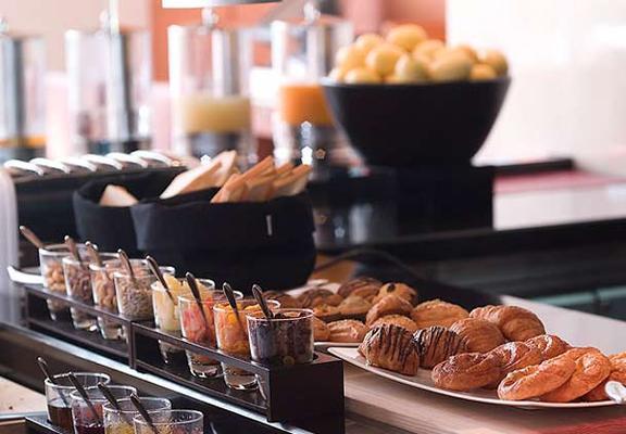 曼谷苏克哈姆维特公园万豪行政公寓 - 曼谷 - 食物