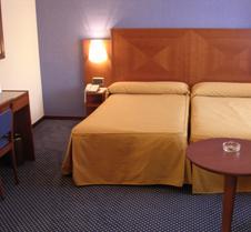 托雷鲁兹中心酒店