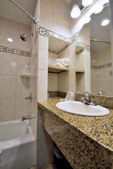 水晶小屋汽车旅馆 - 文图拉 - 浴室