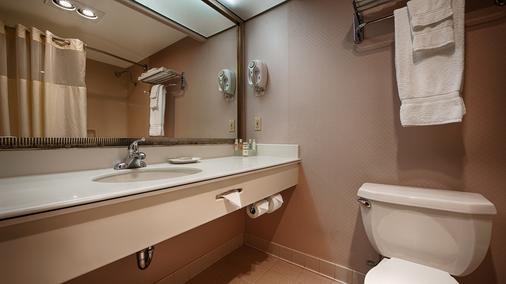 Lax贝斯特韦斯特套房酒店 - 英格尔伍德 - 浴室