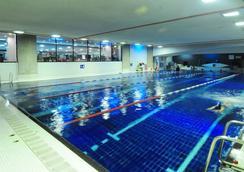 伦敦圣吉尔斯酒店 - 伦敦 - 游泳池