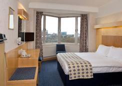 伦敦帝国酒店 - 伦敦 - 睡房