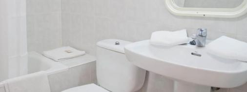 鲁克斯马尔公寓酒店 - 伊维萨镇 - 浴室