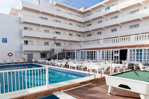 鲁克斯马尔公寓酒店 - 伊维萨镇 - 游泳池