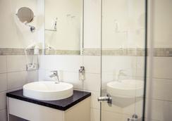 乌雷维恩豪斯酒店 - 什未林 - 浴室