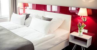 乌雷维恩豪斯酒店 - 什未林 - 睡房