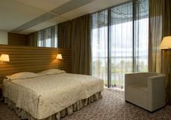 厄米斯特酒店 - 塔林 - 睡房