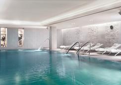 维也纳丽思卡尔顿酒店 - 维也纳 - 游泳池